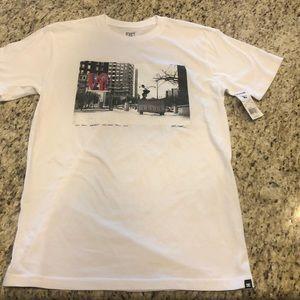 NWT DC Graphic T-shirt Sz Small